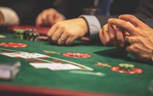 Blackjack : Pourquoi est-il aussi populaire?